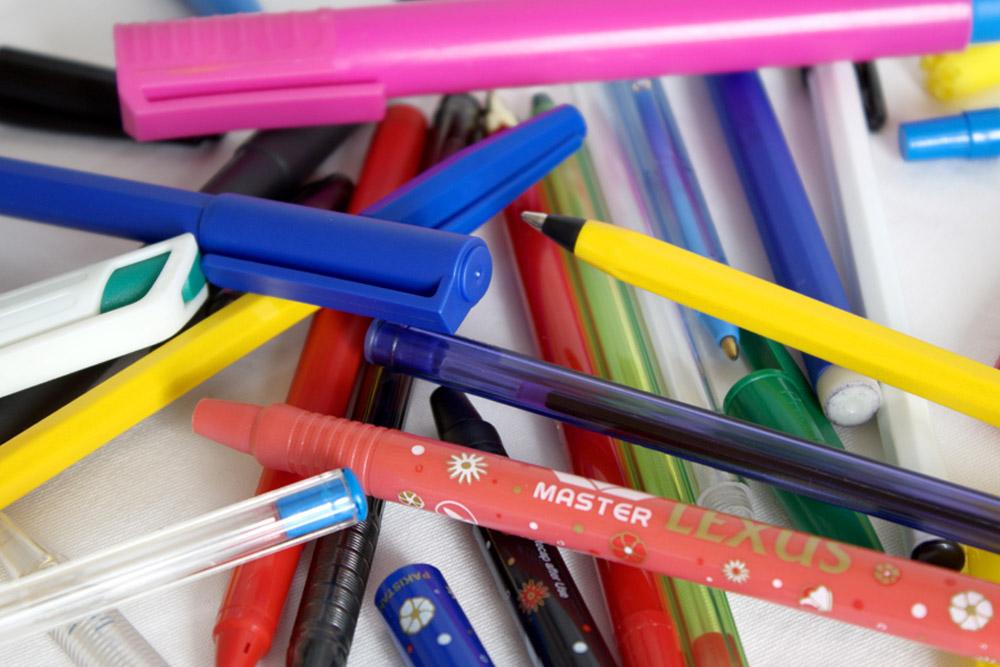 Cantoni srl lecco stampi per articoli di scrittura e design for Articoli design